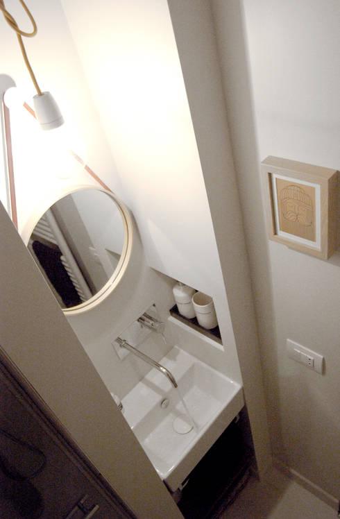 Baños de estilo  por Moodern