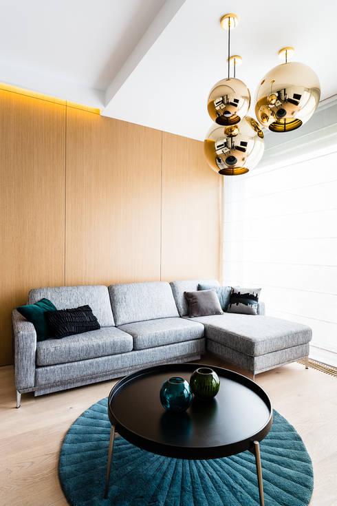 mieszkanie prywatne 3 pokoje - Nowe Orłowo - Gdynia : styl , w kategorii Salon zaprojektowany przez Anna Maria Sokołowska Architektura Wnętrz