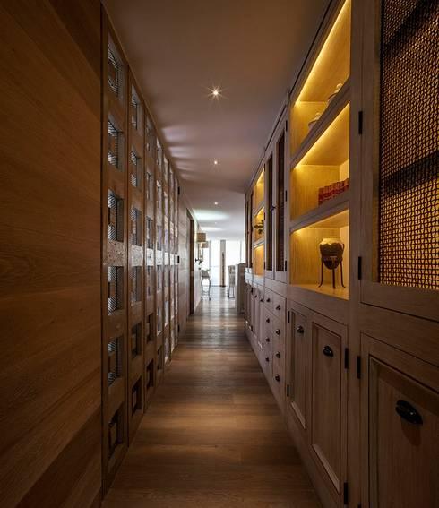 Departamento Goldsmith: Pasillos y recibidores de estilo  por JR Arquitectos