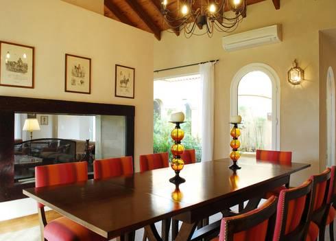 Casa Martindale: Comedores de estilo clásico por JUNOR ARQUITECTOS