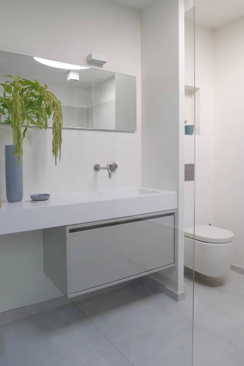 Baños de estilo  por Baden Baden Interior
