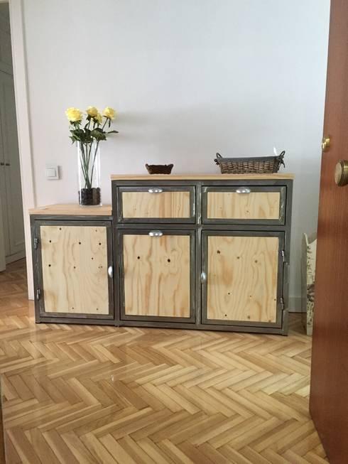 Mueble auxiliar de recibidor: Hogar de estilo  de Tocaferro
