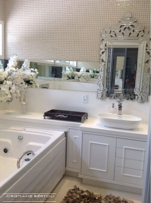 Banheiro  romântico: Banheiros modernos por Cristiane Bértoli Arquitetura
