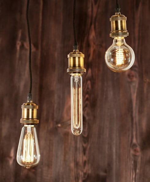 INDUSTRIAL CHIC-ŻARÓWKA EDISON-LAMPA WISZĄCA: styl , w kategorii Salon zaprojektowany przez Altavola Design Sp. z o.o.