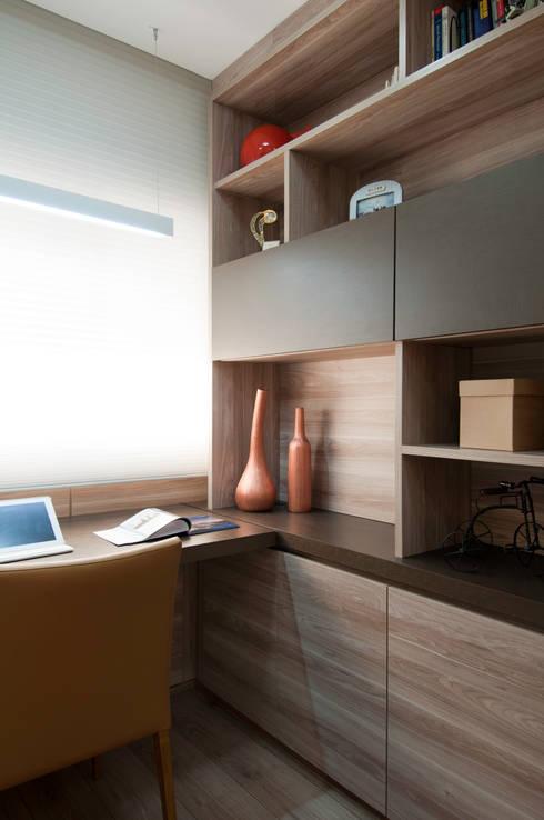 Apartamento Morumbi: Escritórios  por Figoli-Ravecca Arquitetos Associados