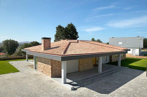 Moradia Mendes: Casas modernas por CS Coelho da Silva SA