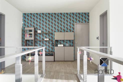 Proyecto Residencial <q>La Ramona.</q>: Pasillos y recibidores de estilo  por PORTO Arquitectura + Diseño de Interiores