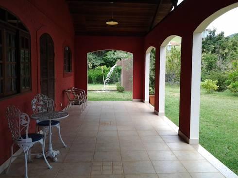 Galeria: Corredores e halls de entrada  por Mina Arquitetura & Construções