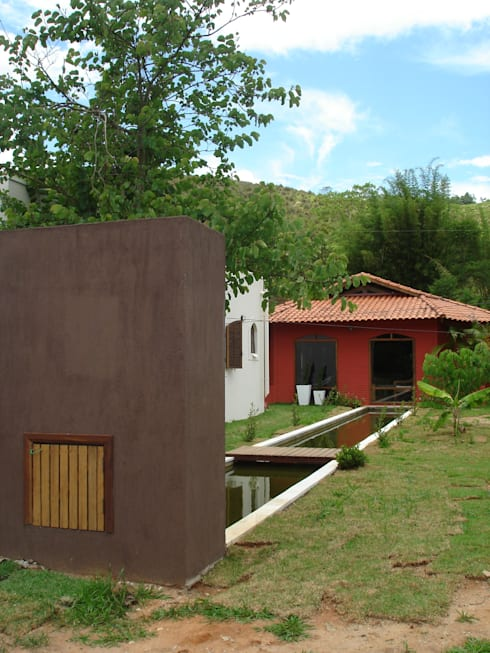 Bloco cascata : Casas coloniais por Mina Arquitetura & Construções