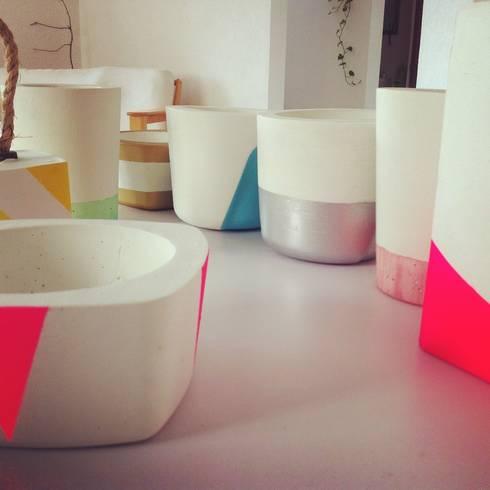 Macetas y vasijas de Concreto : Hogar de estilo  por Catorce/21
