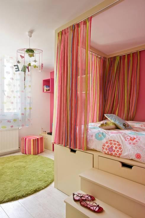 La chambre de la petite fille réalisée:  de style  par Tabary Le Lay