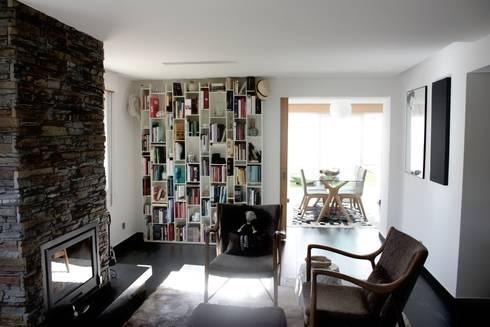 MORADIA PARK: Salas de estar modernas por ARQAMA - Arquitetura e Design Lda