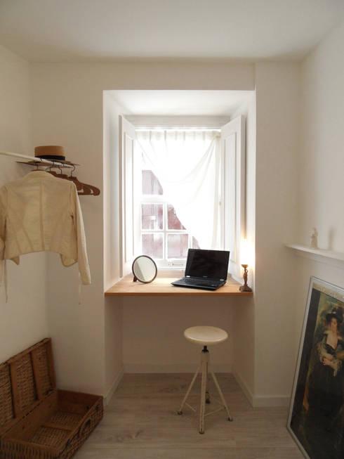 Dormitorios de estilo  por BL Design Arquitectura e Interiores