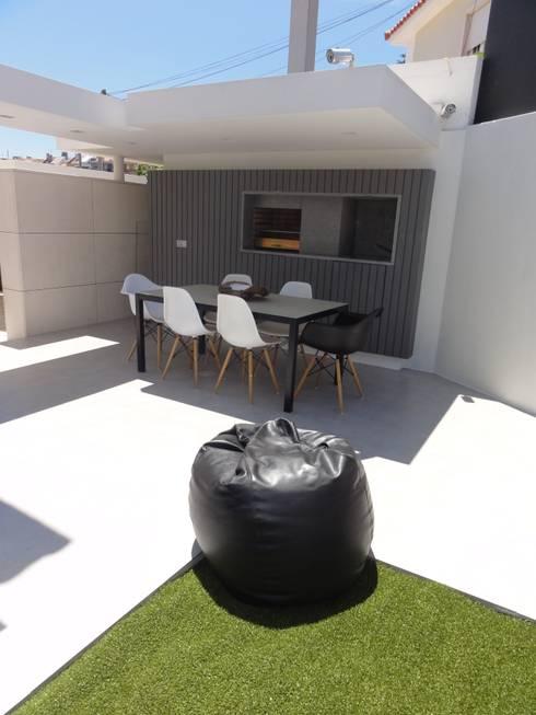 MORADIA PARK: Jardins modernos por ARQAMA - Arquitetura e Design Lda