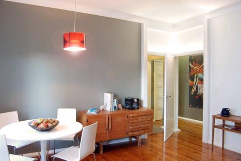 Remodelação T4 . Bairro de Alvalade, Lisboa: Salas de jantar ecléticas por BL Design Arquitectura e Interiores