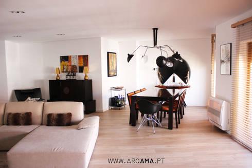 SCANDINAVIAN HOUSE PROJECT: Salas de estar escandinavas por ARQAMA - Arquitetura e Design Lda