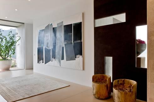 Oriental Chic: Corredores e halls de entrada  por Viterbo Interior design