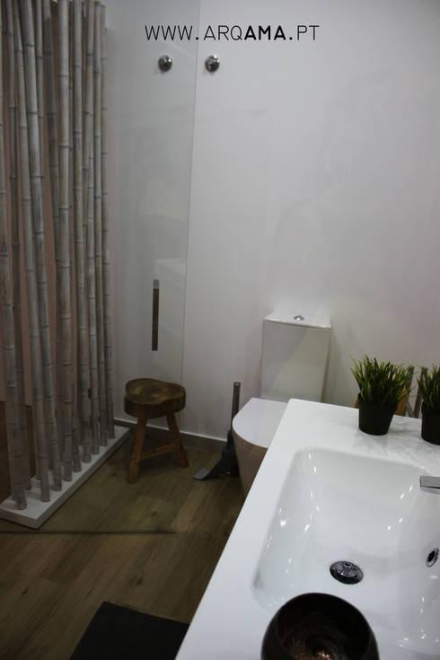 SCANDINAVIAN HOUSE PROJECT: Casas de banho  por ARQAMA - Arquitetura e Design Lda
