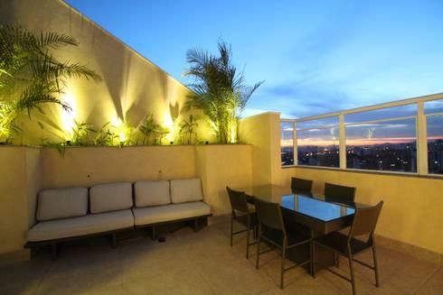 Terraço gourmet: Terraços  por Pricila Dalzochio Arquitetura e Interiores
