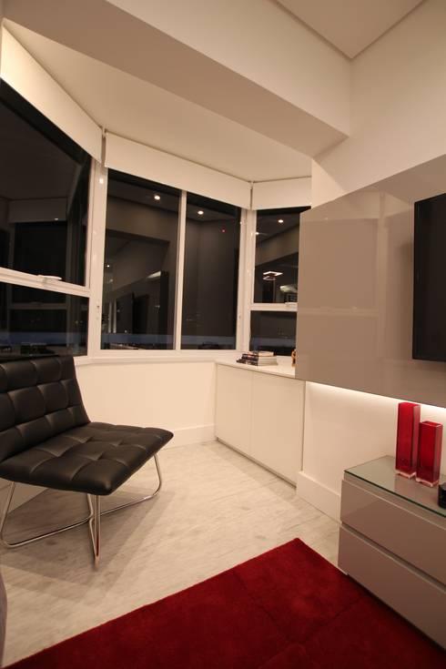 Sala de Estar: Salas de estar modernas por Pricila Dalzochio Arquitetura e Interiores