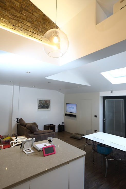 Single Storey Extension, Roxborough Rd: modern Living room by London Building Renovation