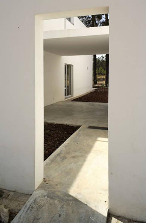 Casa GA: Casas modernas por SAMF Arquitectos