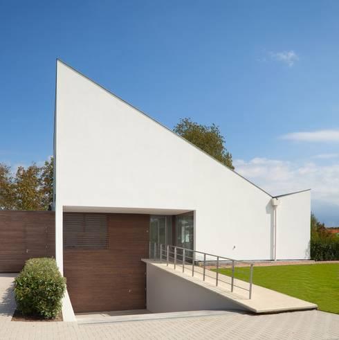 Rumah by adsmeuldersarchitect