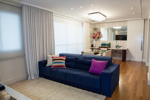 Conforto e Bem Estar: Salas de estar modernas por Lilian Barbieri Interior Design