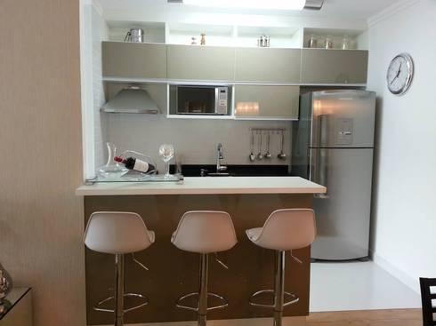Cozinha americana: Cozinha  por SD arquitetura & Interiores