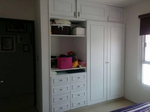 Habitación Mila: Recámaras infantiles de estilo minimalista por Constructora e Inmobiliaria Catarsis