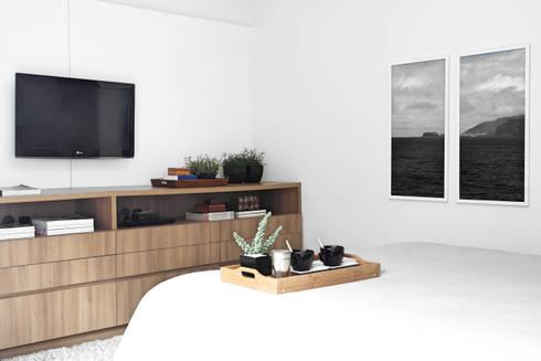 Residência A&R: Quartos  por Amanda Carvalho - arquitetura e interiores