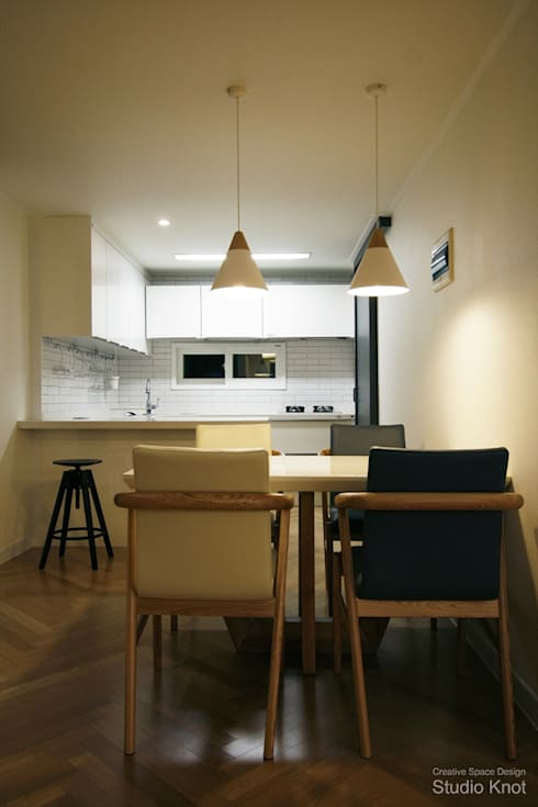 c - house: 스튜디오 노트의  다이닝 룸