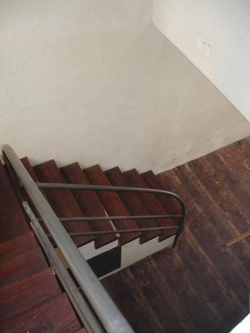 Santiago del Estero 623 – Buenos Aires: Pasillos y recibidores de estilo  por Arquitecta Mercedes Rillo