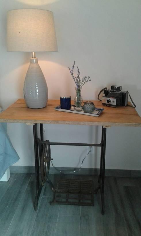 Mesa recámara 1: Recámaras de estilo  por Bianco  Diseño