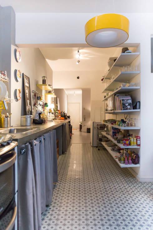 Copa - Cozinha - Sala de Estar:   por PULSOARQUITETURA