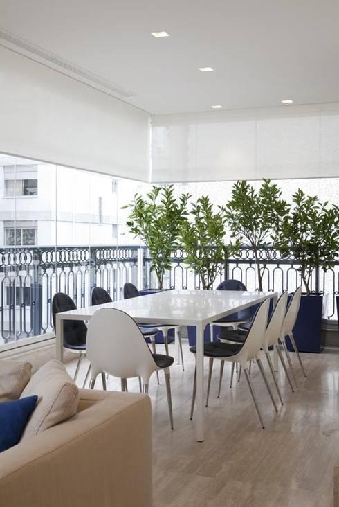 Apartamento Higienópolis 2: Terraços  por Marcelo Rosset Arquitetura