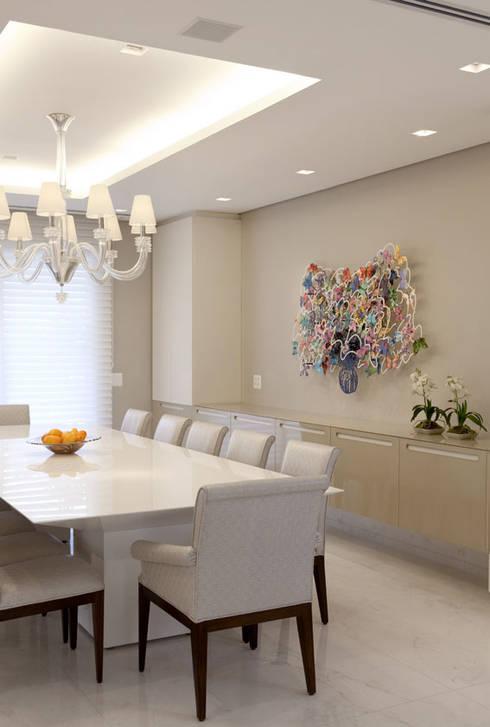 Apartamento Higienópolis 2: Salas de jantar modernas por Marcelo Rosset Arquitetura