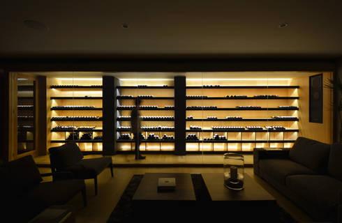 Cava: Salas de estilo moderno por crb arquitectos