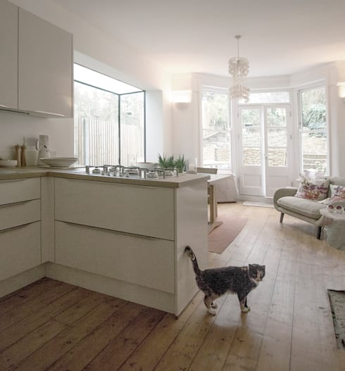 Arbuthnot Road: modern Kitchen by Gruff Limited