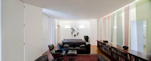 Casa Neto: Salas de estar modernas por Adalberto Dias Arq Lda