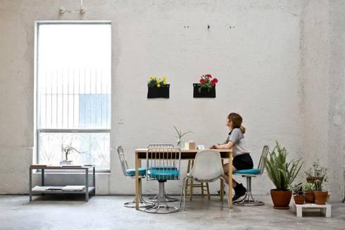 Jardines Verticales: Comedores de estilo moderno por HUICHOL