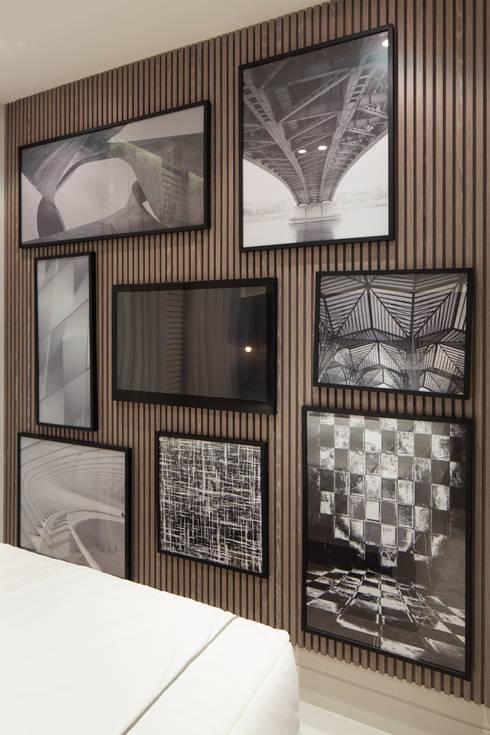 Projekty,  Ściany i podłogi zaprojektowane przez SESSO & DALANEZI
