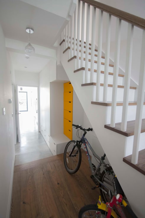 Muschamp Road:  Corridor & hallway by Gruff Limited