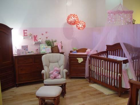 Habitaciones infantiles: Recámaras de estilo moderno por Paola Hernandez Studio Comfort Design
