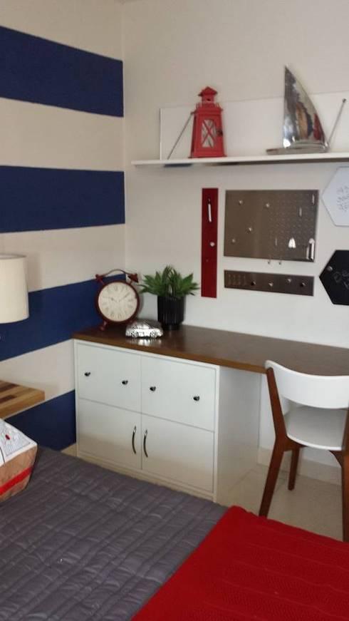 Oficina con área de juegos: Estudios y oficinas de estilo moderno por Paola Hernandez Studio Comfort Design
