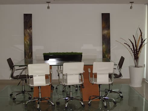Salones y comedores: Estudios y oficinas de estilo moderno por Paola Hernandez Studio Comfort Design