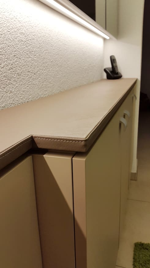 Sideboard mit Türaussparung:  Flur, Diele & Treppenhaus von Hammer & Margrander Interior GmbH
