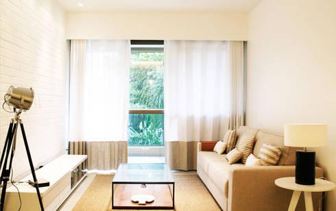 Casa da Barra: Salas de estar modernas por blaanc