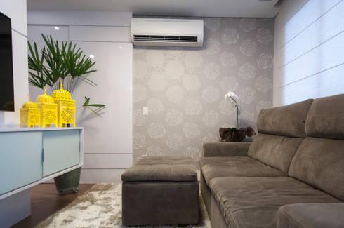 Apto bairro Saúde - SP: Salas multimídia modernas por Haus Brasil Arquitetura e Interiores