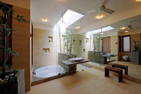 Lonavla Bungalow: asian Bathroom by JAYESH SHAH ARCHITECTS